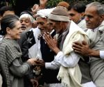 A Jat delegation meets Sonia Gandhi at her residence