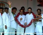 Rahul Gandhi at election campaigning rally