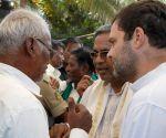 Rahul Gandhi meets farmers