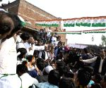 Rahul Gandhi interacts with farmers