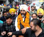 Congressmen welcome Manpreet Singh Badal