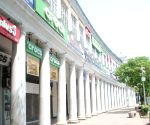 Connaught place Market closed for people during weekdays lockdown covid-19 in New Delhi