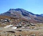 Free Photo: Coronavirus gives fragile Rohtang Pass recovery time
