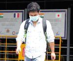 Coronavirus: Use clean hankies, not masks, says Maha govt