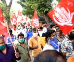CPI(M) cadre in Kerala stage protest, march towards Customs offices