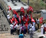 CPI's rail roko protest over Cauvery issue