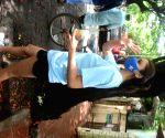 : Mumbai: Daisy Shah Spotted at Bandra