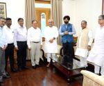 Mahendra Singhi meets Bihar CM