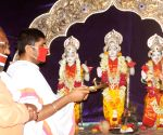 Defying lockdown, crowd gathers at Bengal temples for Ram Navami