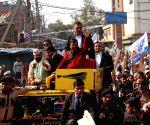 Arvind Kejriwal holds roadshow at Model Town