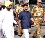 Arvind Kejriwal arrives at  Amritsar Airport