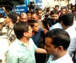 Kejriwal at Lady Hardinge Hospital