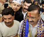 Delhi CM Kejriwal at Kangra Airport