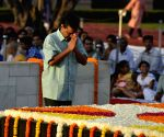 Mahatma Gandhi Birth Anniversary - Arvind Kejriwal and Manish Sisodia pays homage