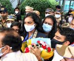 Shuttler PV Sindhu arrives to a roaring welcome