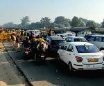 Free Photo: Delhi-Gurugram traffic