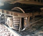 Train derails near Okhla railway station