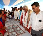 Rajeev Sethi visits Upendra Maharathi Shilp Anusandhan Sansthan