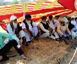 Devi Dass Pura (Punjab): Farmers' call off strike