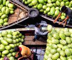 BANGLADESH DHAKA FRUIT MARKET