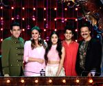India's Best Dramebaaz Season 2 - Omung Kumar, Huma Qureshi, Janhvi Kapoor, Ishaan Khatter and Vivek Oberoi