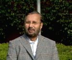 Don't crowd vaccination rooms, offer inoculated person flower: Javadekar