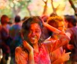 Holi 2020: Don't let pre-Holi splashes ruin your hair