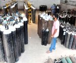 180 Oxygen cylinders and three ventilators arrive from UAE to Thrissur