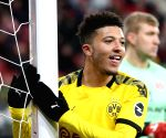 Man Utd set to fork out 108 million pounds to land Sancho: Report