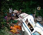 Five dead in Bengal road accident