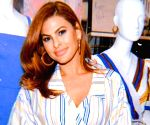 Eva Mendes is not offended by troll calling her old