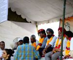 Ex-servicemen demonstrate to press for OROP
