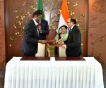 MoU Exchange - Sushma Swaraj, Workneh Gebeyehu
