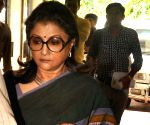 Aparna Sen appears for questioning in Saradha scam