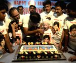 "Coolie"" accident - Amitabh Bachchan fans celebrate recuperation day"
