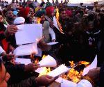 Farmer agitation: Congress 'gheraos' Nagpur Raj Bhavan