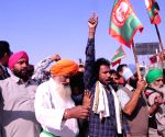 Farmers continue to protest at Tikri border, situation peaceful