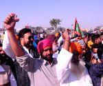 Farmers question govt's '