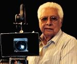 Bollywood mourns the demise of Basu Chatterjee