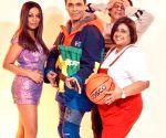 Karan Johar, Gauri Khan recreate 'Kuch Kuch Hota Hai' at '90s theme party