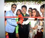 Madhur Bhandarkar inaugurates Shiva's Salon