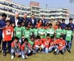 Dean Jones, Bishan Singh Bedi play with children at Feroz Shah Kotla