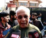 BJP's Yashwant Sinha meets Geelani over Kashmir unrest