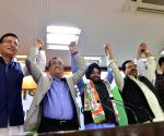 Arvinder Singh Lovely rejoins Congress party