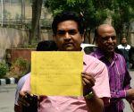 Kapil Mishra visiting the anti-corruption bureau office