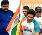 Sachin Tendulkar flags off IDBI Federal Life Insurance Kolkata Full Marathon