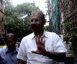 D G Vanzara appears before Mumbai court