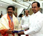 Hemant Soren meets K. Chandrasekhar Rao