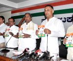 Siddaramaiah launches Congress handbook
