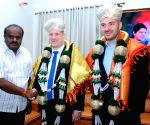 HD Kumaraswamy meets British envoys